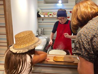Japan, Travel tips, Hawaii Family Photographer, Tokyo, Oahu family photographer, Kichijoji, crepes, dessert