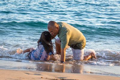 Waves, beach, Oahu, Hawaii, photographer, portraits, daddy, daughter, ocean, sunset