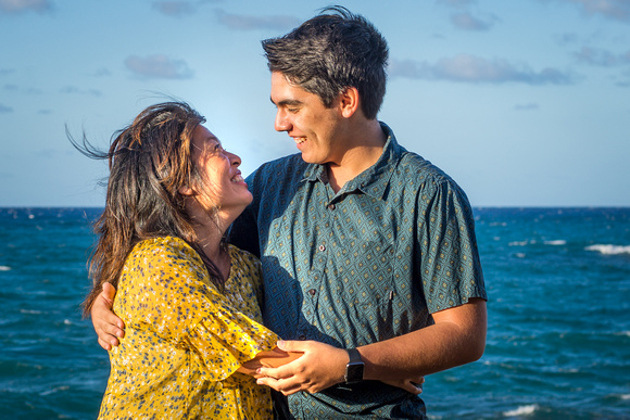 Family photo session, Senior Portrait photographer, Oahu Senior Photographer, Kaena Point, Beach Session, Mother and Son