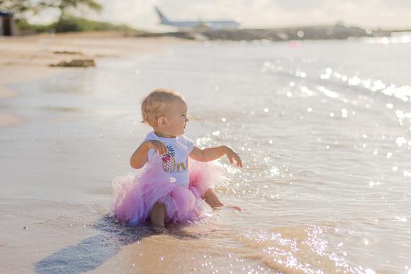Family portraits, Oahu Family Photographer, Hawaii Vacation Photographer, Black and White
