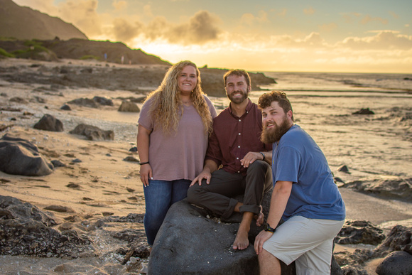 Oahu Family Photographer, Hawaii Photographer, Oahu Portrait Photographer, Kaena Point, Hawaii Family Photographer