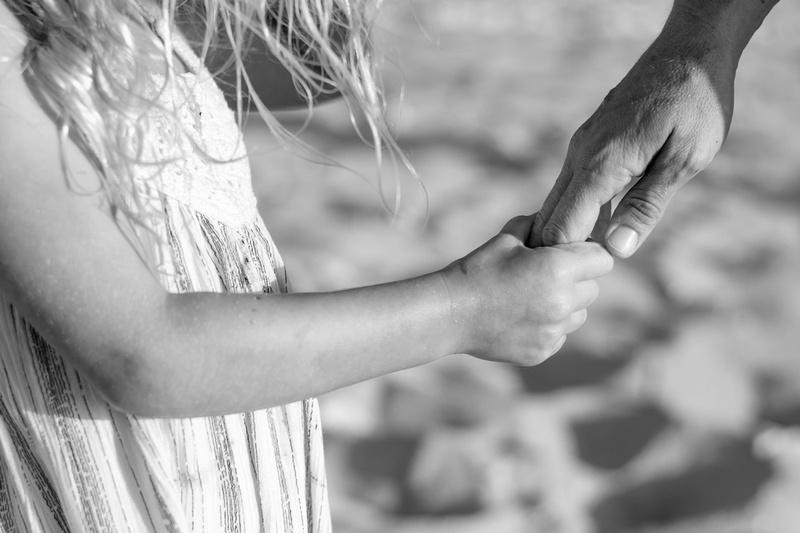 family bonds, hands, mother daughter, Oahu children Photographer, Oahu Family Photographer