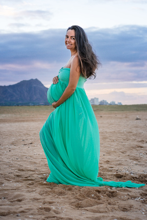 Maternity Gowns, Diamond Head, Magic Island, Hawaii maternity photographer, Oahu Family photographer, Oahu family photos