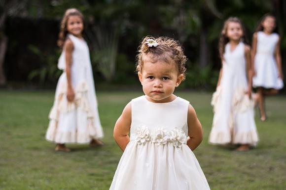 Kailua Garden photos, Oahu Photographer, Family Photographer, Outdoor fun, Let them be little