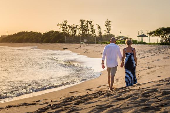 Couple Walking at Sunset, Couples, Hawaii, Oahu, Photographer,