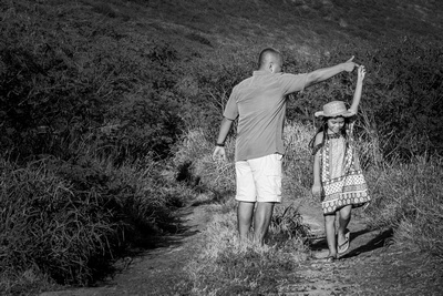 Beach, Beach, Central, Child, Family, Oahu, Oahu, Photographer, Photographer, Photographer, Portraits, Sessions, Surf, lifestyle, photos, portraits, daddy, daughter, dancing, mud, country, road